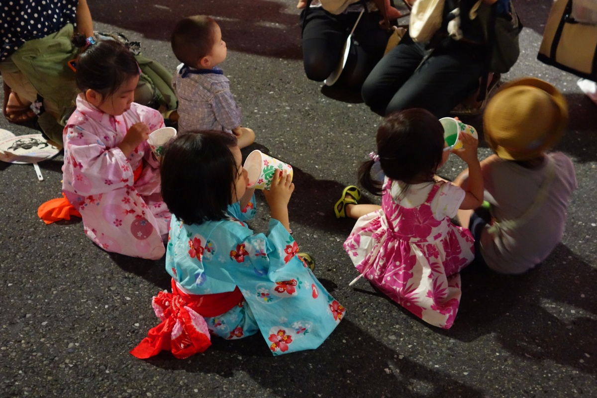 Yukata De Guide Tour: Children in 墨田区 (Sumida ward, Tokyo, Japan) on 02 August 2014.