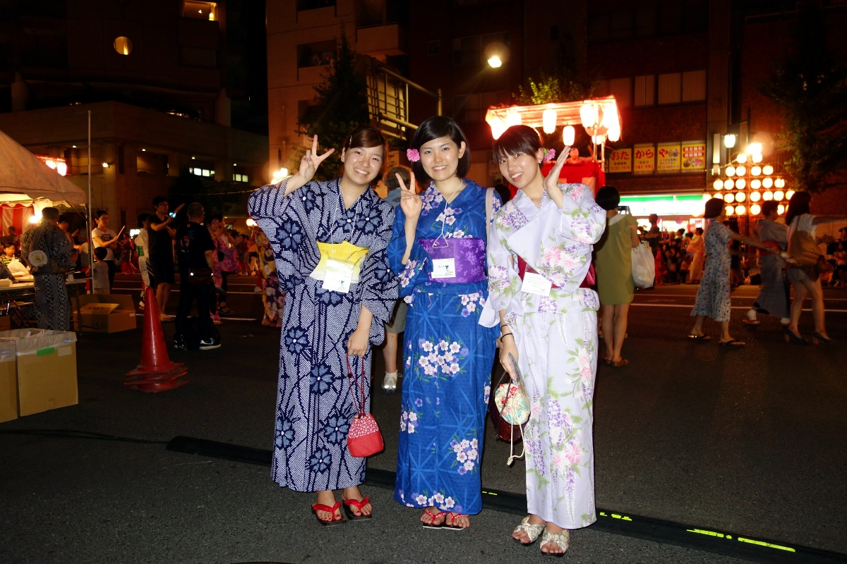 Yukata De Guide Tour: Hiroe and Tomoe in 墨田区 (Sumida ward, Tokyo, Japan) on 02 August 2014.
