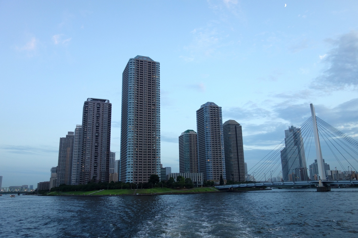 Yukata De Guide Tour: Buildings during the river cruise in 墨田区 (Sumida ward, Tokyo, Japan) on 02 August 2014.