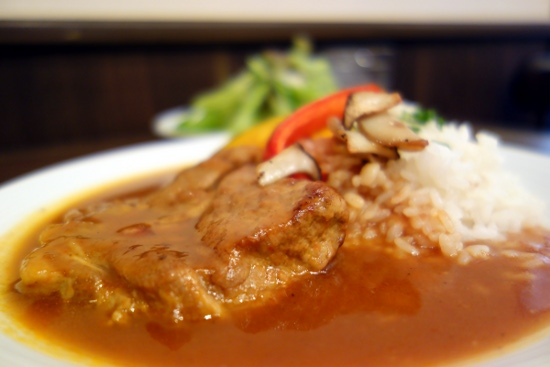 Close-up: Pork stew prepared with dark beer at ムーサ (Muusa, Tokyo, Japan) on 11 March 2014.